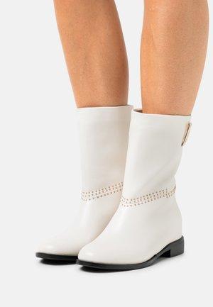 Støvler - white