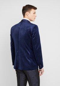 Burton Menswear London - TOP SHAWL LAPEL - Chaqueta de traje - navy - 2