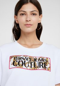 Versace Jeans Couture - Day dress - bianco ottico - 5