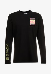 adidas Originals - STREETSTYLE GRAPHIC LONGSLEEVE TEE - Long sleeved top - black - 3