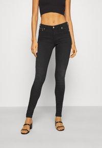 ONLY - ONLISA4 LIFE REG ZIP - Jeans Skinny Fit - black denim - 0