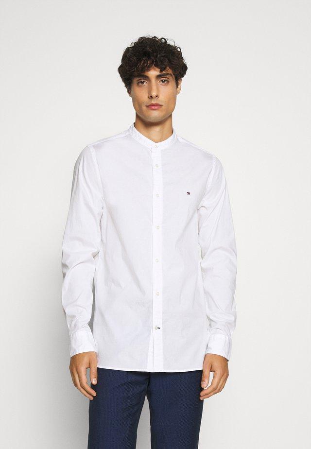 SLIM STRETCH SHIRT - Koszula - white