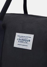 Barbour - EADAN HOLDALL UNISEX - Taška na víkend - navy - 3