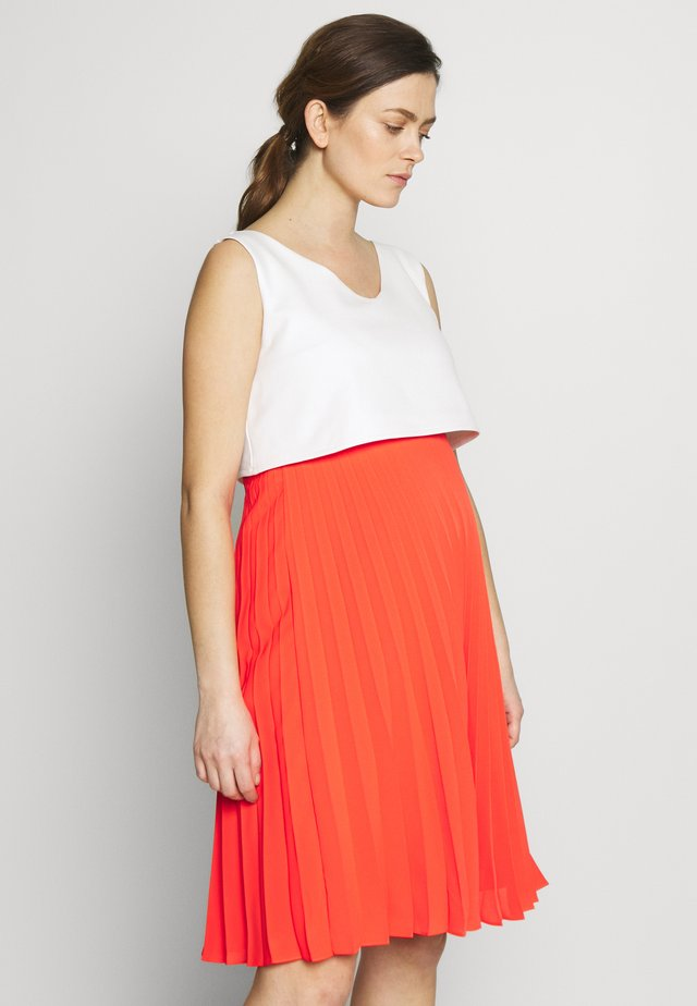 TIPHAINE - Day dress - blanc/corail