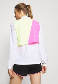 Puma - LITE WARM UP JACKET - Laufjacke - puma white/luminous pink/fizzy yellow - 2