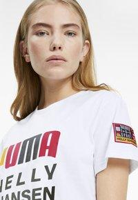 Puma - Print T-shirt - puma white - 3