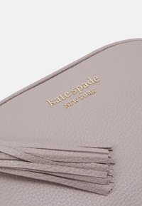 kate spade new york - MEDIUM CAMERA BAG - Across body bag - warm taupe - 5