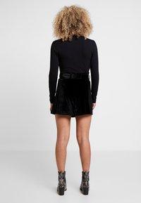Fashion Union Petite - CANDY SKIRT - Minisukně - black - 2