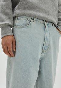 PULL&BEAR - Relaxed fit jeans - light-blue denim - 3