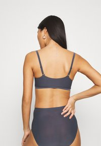Chantelle - SOFTSTRETCH MIT SOFT CUPS - Bustier - gris - 2