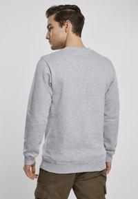 Urban Classics - Sweatshirt - grey - 2