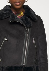 New Look - ANNA AVIATOR - Faux leather jacket - black - 5