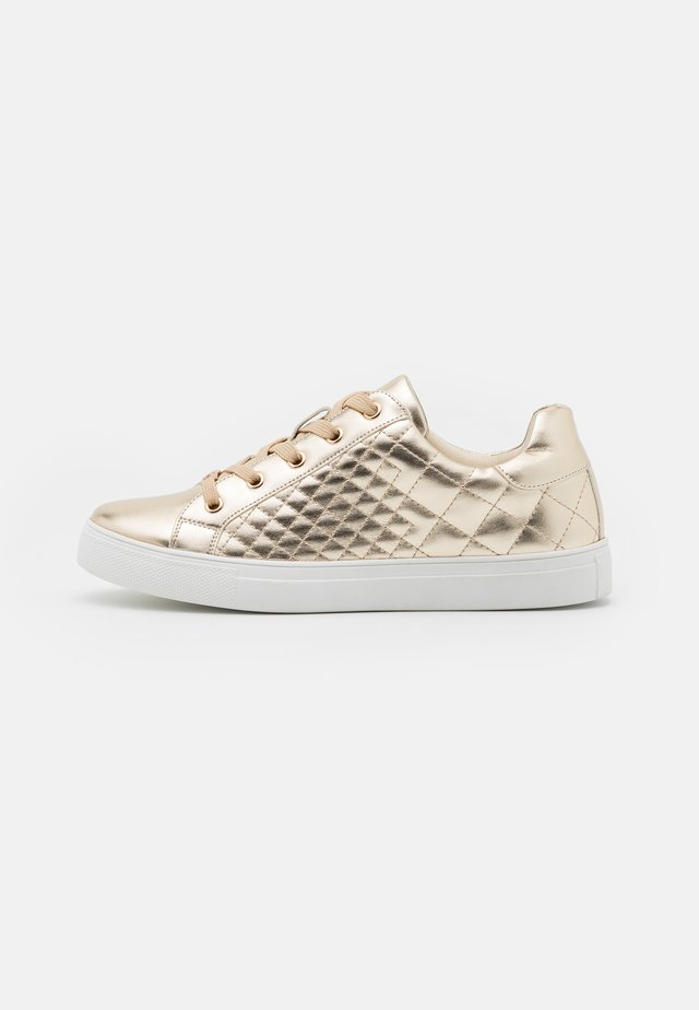 SATURNO - Trainers - gold