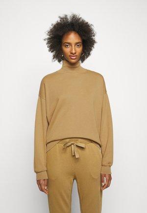 FUNNEL NECK  - Sweatshirt - camel