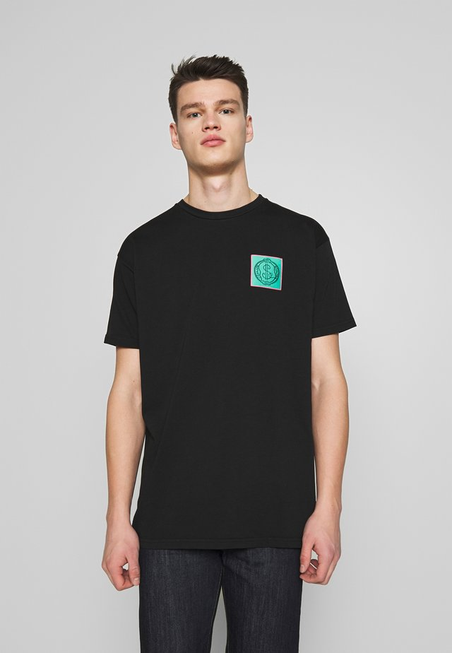 NEW BOXY CLIMATE PATCH - T-shirt imprimé - black