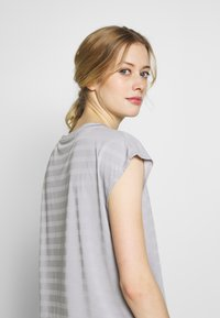 Even&Odd active - Print T-shirt - grey - 5