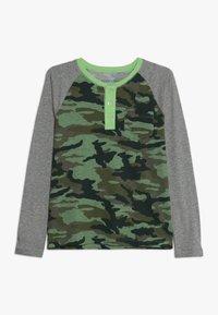 J.CREW - CAMO RAGLAN HENLEY - T-shirt à manches longues - heather grey - 0