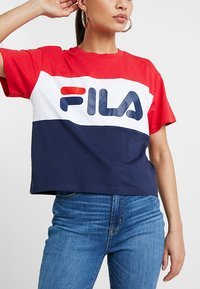 Fila Petite - ALLISON TEE - Print T-shirt - black iris/true red/bright white - 5