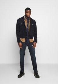 Levi's® - 502™ TAPER - Straight leg jeans - blue ridge - 1