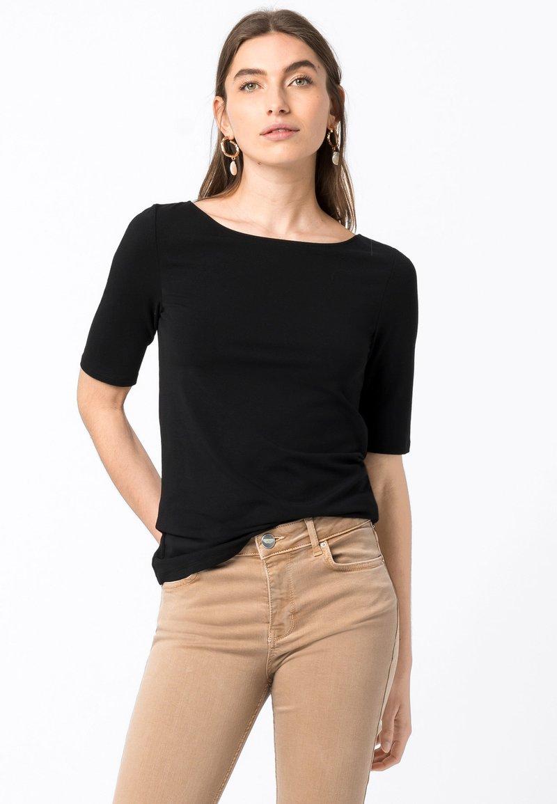 HALLHUBER - Basic T-shirt - schwarz