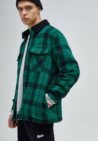 PULL&BEAR - Shirt - mottled green - 4