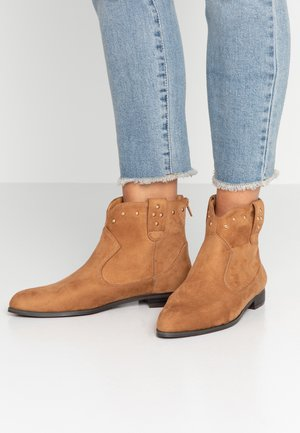 Classic ankle boots - fauve