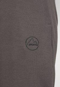 La Sportiva - CADENCE PANT - Teplákové kalhoty - grey/carbon - 5