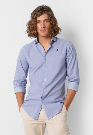 CONTRAST SKULL  - Koszula - dark blue stripes