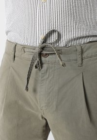 Scalpers - Trousers - taupe - 3