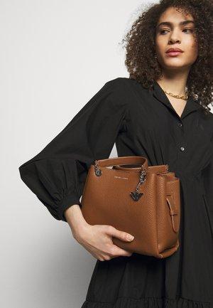 ANNIE TOTE PUBBLE - Handbag - cuoio