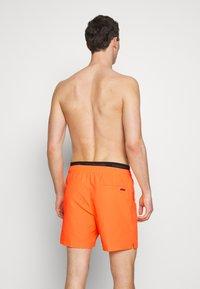 Calvin Klein Swimwear - MEDIUM DOUBLE - Shorts da mare - orange - 1