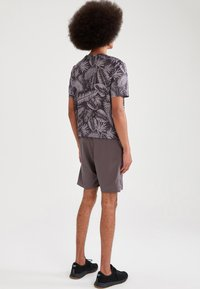 DeFacto Fit - Träningsshorts - anthracite - 2