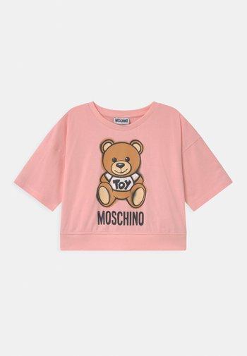 ADDITION - Print T-shirt - sugar rose