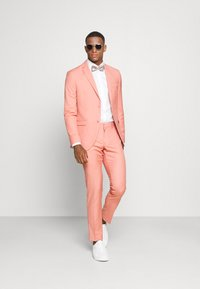 Isaac Dewhirst - THE FASHION SUIT NOTCH - Suit - coral - 1