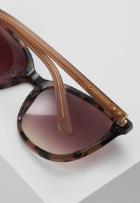 Calvin Klein - Sluneční brýle - taupe - 4