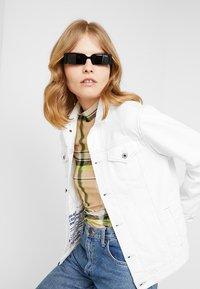 VOGUE Eyewear - GIGI HADID SOHO - Sunglasses - black - 1