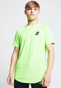 Illusive London Juniors - ILLUSIVE LONDON  - Camiseta estampada - neon green - 0