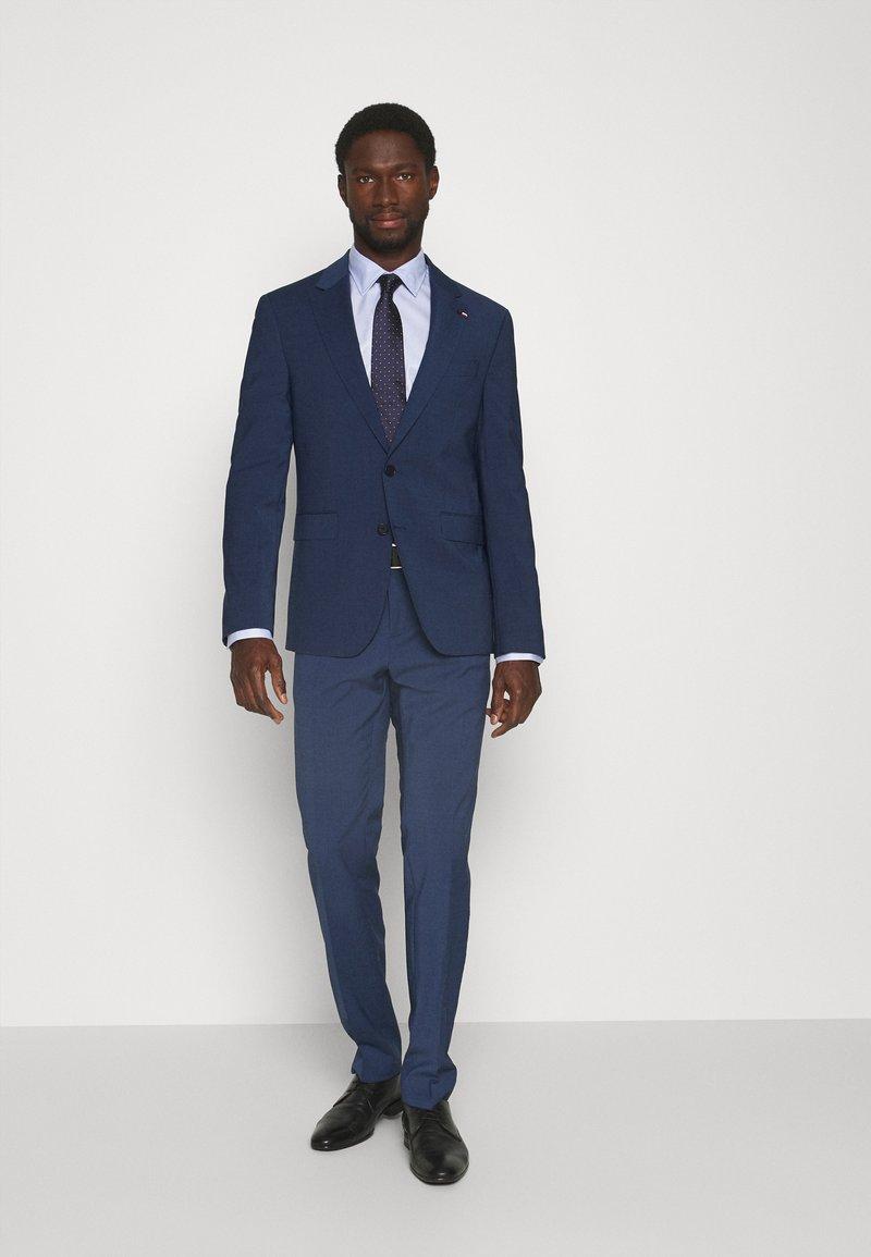 Tommy Hilfiger Tailored - FLEX CHECK SLIM FIT SUIT - Suit - blue