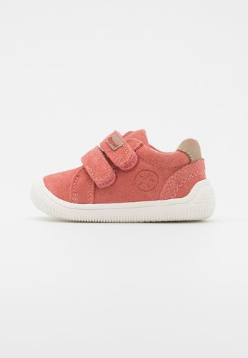 SIGGE - Baby shoes - rose