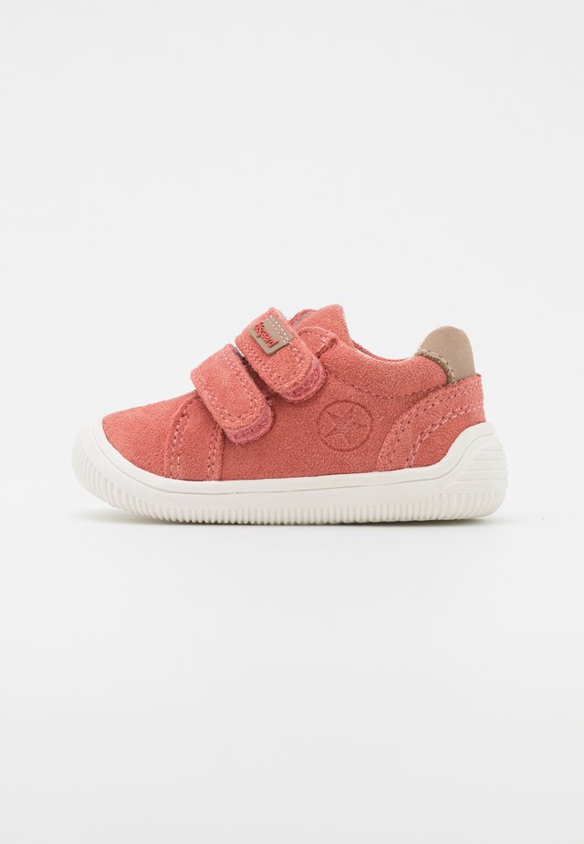 SIGGE - Baby shoes - rose