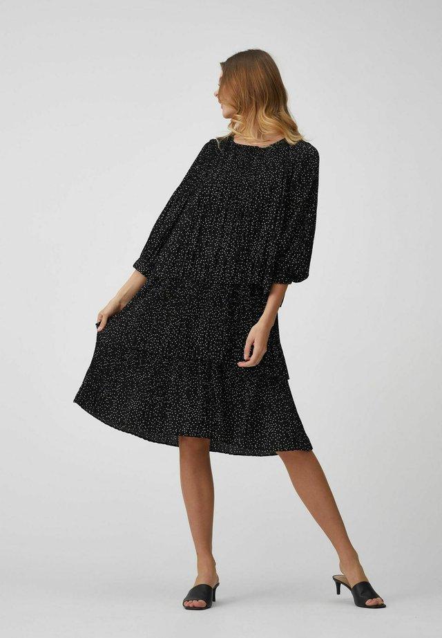 ILJA  - Korte jurk - black