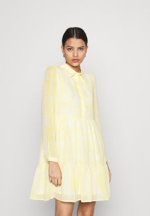 VIPLISSEA SHIRT DRESS - Košilové šaty - spicy mustard