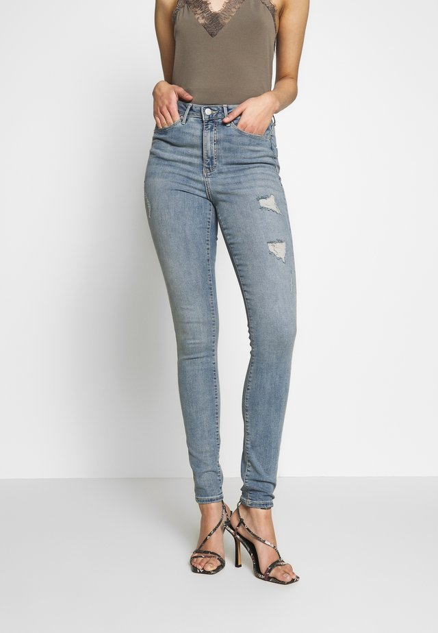 VMSOPHIA - Jeansy Skinny Fit - light blue denim