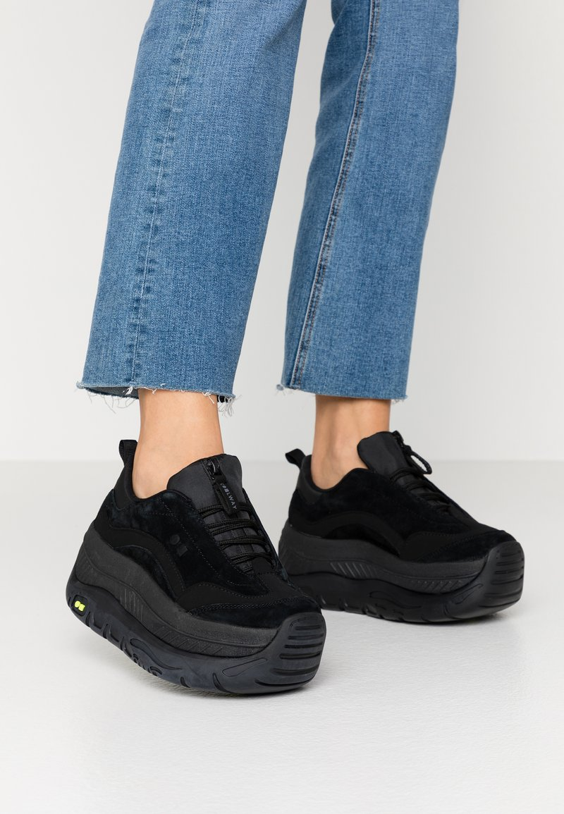 Coolway - CLUSTER - Trainers - black