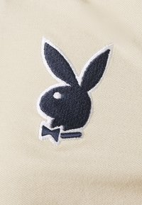 Missguided Petite - PLAYBOY VARSITY CROP TOP - Polo shirt - stone - 2