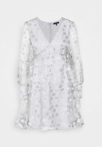 V-NECK EMPIRE DRESS - Cocktail dress / Party dress - silver