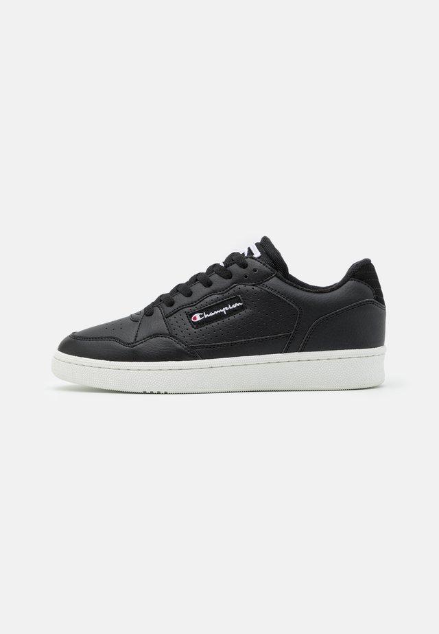 LOW CUT SHOE CLEVELAND - Chaussures d'entraînement et de fitness - new black