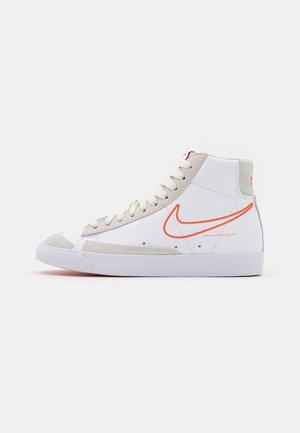BLAZER 77 - Zapatillas altas - white/orange/summit white/sail