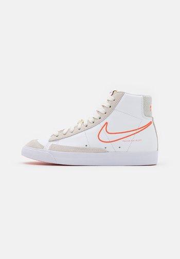 BLAZER 77 - Baskets montantes - white/orange/summit white/sail
