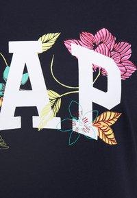GAP - FRANCHISE FLORAL TEE - Print T-shirt - navy uniform - 5